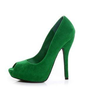 Quipid Heigl Green Velvet  Peep Toe Pump